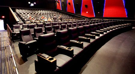 Stupendous Movie Theaters With Beds Recliners Yes Please Movie Pabps2019 Chair Design Images Pabps2019Com